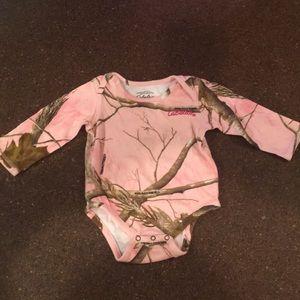 Cabela's Realtree long-sleeved onesie